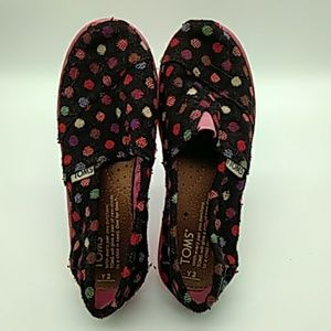 Girls TOMs size 2 pink & black dots